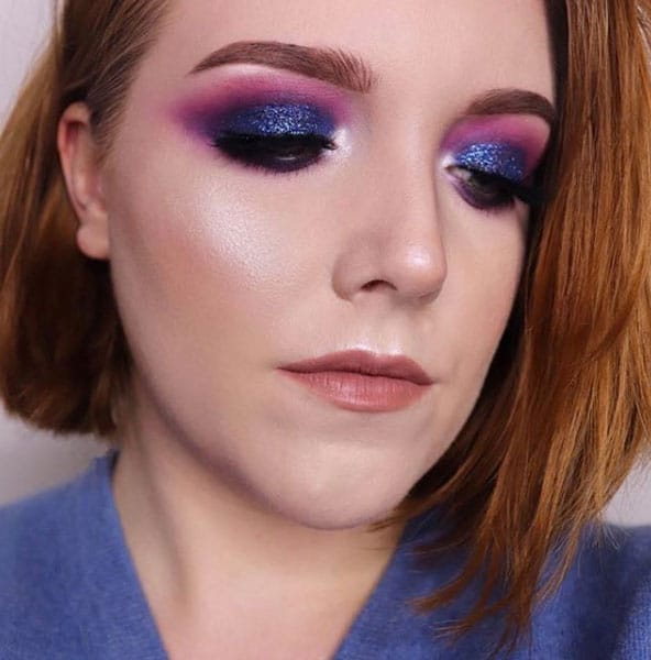 Falsche Wimpern Inspiration Make-up Look Lila