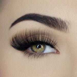 ll157 lenilash Falsche Wimpern Schwarz Magic Tragebild